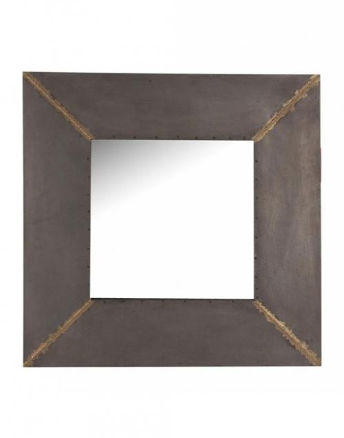 El espejo decorativo de metal es una pieza de líneas suaves y elegantes, perfecto para potenciar la luminosidad de tus interiores. Comprar en DIHWEB La tienda de muebles online