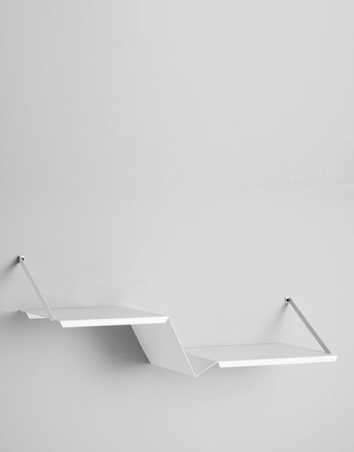 Estanteria metalica blanca Fold. Designers in-home. Muebles de diseño y decoración, accesorios para el hogar. Encuentra tu estilo en tu tienda de decoracion