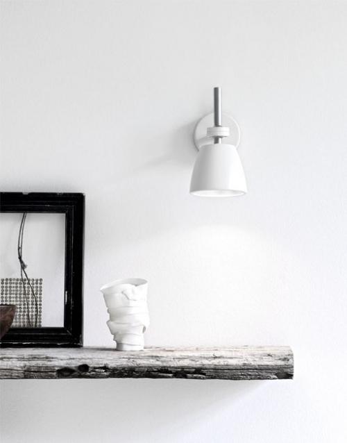 Lámpara pared regulable. Designers in-home. Muebles de diseño y decoración, accesorios para el hogar. Encuentra estilo en tu tienda de decoración