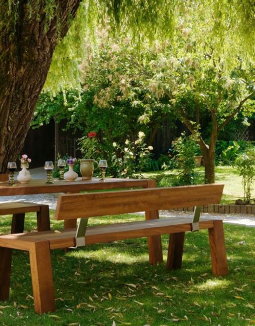 Mesa y bancos de exterior SOLO. Mobiliario y productos de diseño y accesorios para el hogar, muebles de comedor y salón en la tienda de Designers in-home.