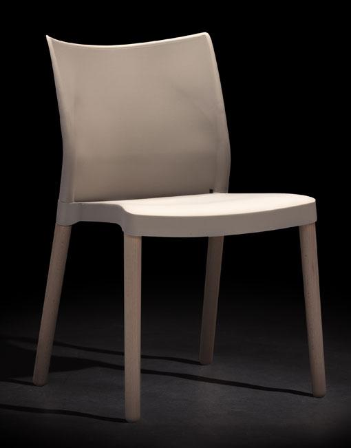 Sillas apilables New Bat. Productos de diseño y decoración, accesorios para el hogar, muebles de comedor y salón. DIHWEB La tienda de muebles online