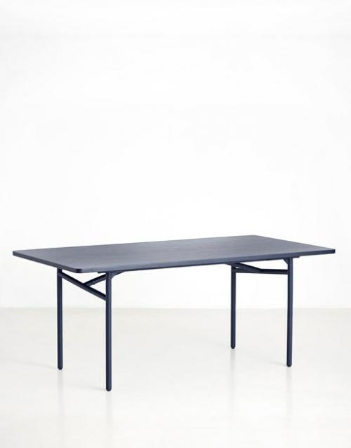 Mesa de diseño azul de comedor | DIH La tienda de muebles online. Productos de diseño y decoración, accesorios para el hogar, muebles de comedor y salón