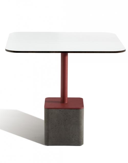 Mesas modernas cuadradas de Capdell. Muebles de oficina y del hogar, diseño y decoración en la tienda de muebles de Designers in-home