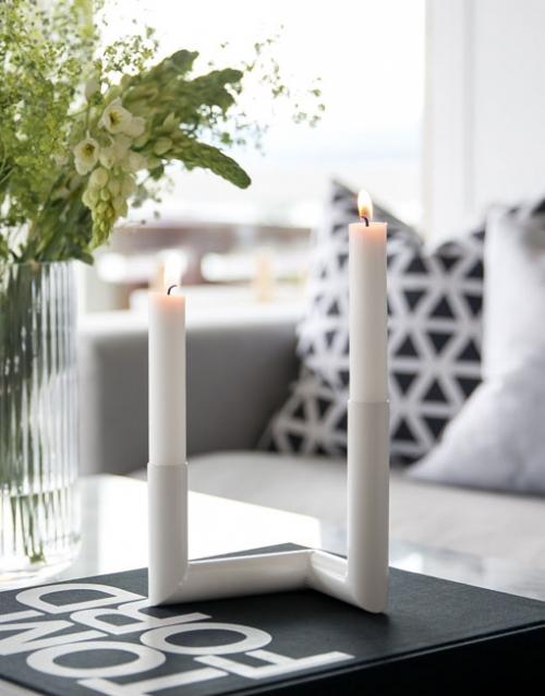 Candelabro de diseño gris. Designers in-home. Muebles de diseño y decoración, accesorios para el hogar. Encuentra estilo en tu tienda de decoración.