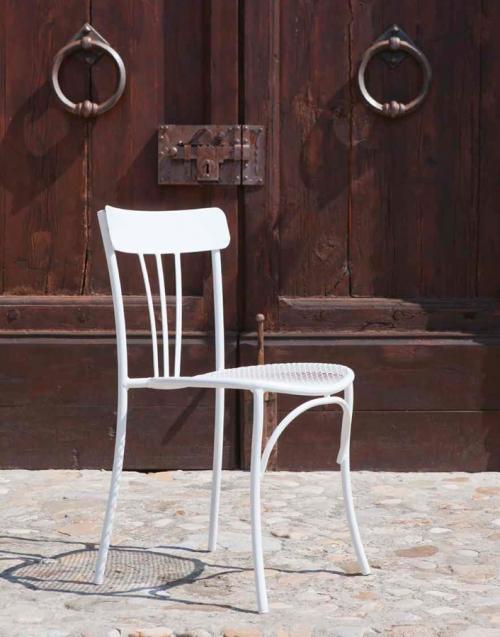 Sillas de Terraza Retro. Designers in-home. Muebles de diseño y decoración, accesorios para el hogar. Encuentra estilo en tu tienda de decoración