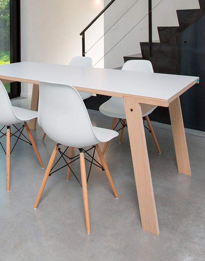 Mesa fija Flat. Designers in-home. Muebles de diseño y decoración, accesorios para el hogar. Encuentra estilo en tu tienda de decoración