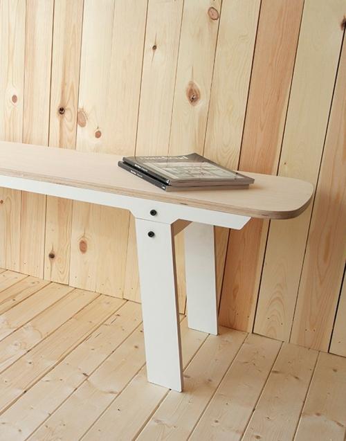 Banco nórdico Slim. Designers in-home. Muebles de diseño y decoración, accesorios para el hogar. Encuentra estilo en tu tienda de decoración