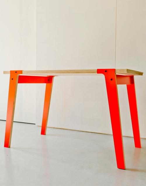 Mesa pequeña de comedor Switch. Designers in-home. Muebles de diseño y decoración, accesorios para el hogar. Encuentra estilo en tu tienda de decoración
