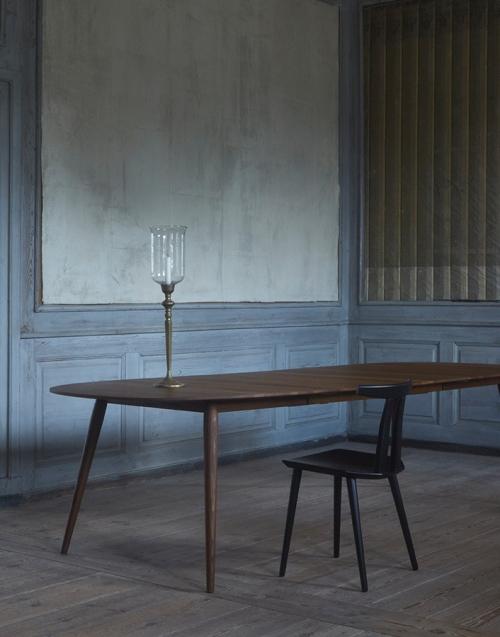 Silla estilo nórdico. Designers in-home. Muebles de diseño y decoración, accesorios para el hogar. Encuentra estilo en tu tienda de decoración