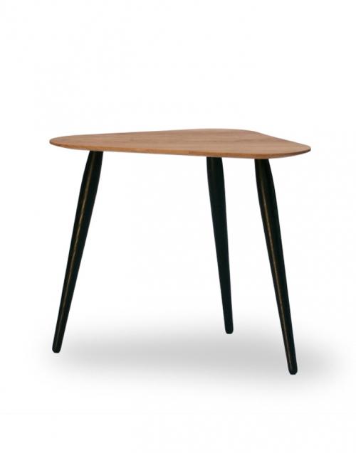 Mesita forma triangular organic. Designers in-home. Muebles de diseño y decoración, accesorios para el hogar. Encuentra estilo en tu tienda de decoración