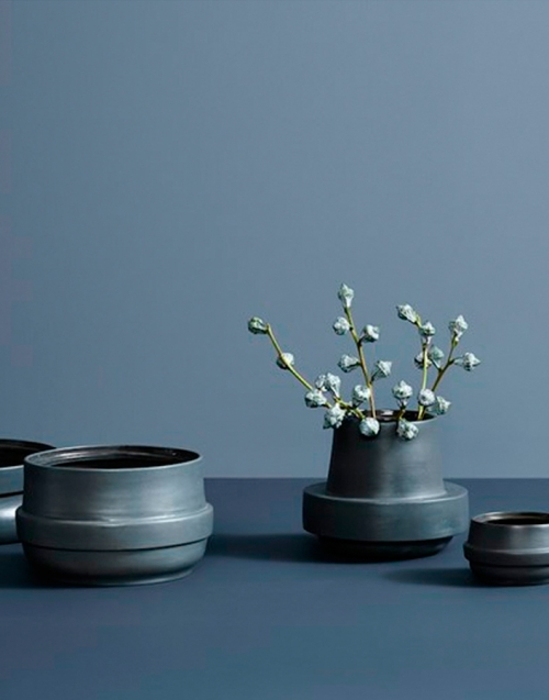 Macetas nórdicas Hinken. Designers in-home. Muebles de diseño y decoración, accesorios para el hogar. Encuentra tu estilo en tu tienda de decoración