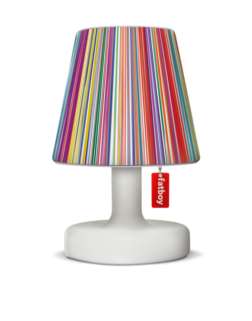 El Cubre lámparas COOPER CAPPIE de Fatboy, es un accesorio que todos debemos tener en casa. La calidad de este producto está garantizada por la marca y por nuestra casa. Es un accesorio hecho con materiales de primera calidad, lo suficientemente resistentes para su función. Esta lampara combina con todo, ya que tienes una amplia gamma de estilos. Queda perfecta en cualquier ambiente, ocasión y estado de animo. Desde romántico hasta vintage, con tonos coloridos o neutros. Viste tu lámpara y adorna tu interior con ella.
