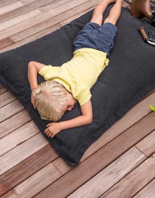 Puf para niños JUNIOR Designers in-home. Muebles de diseño y decoración, accesorios para el hogar. Encuentra estilo en tu tienda de decoración
