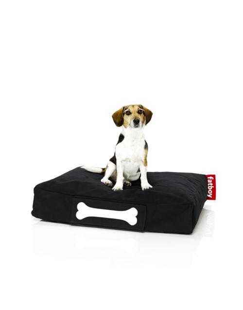 La cama para Perro Doggielounge de Fatboy, es lo último en camas para perros, con un colchón ultrasuave, cómodo y resistente. Es ideal para todos los perros, di adiós al olor a perro mojado, ya que repele el agua y la suciedad. Tambien puedes personalizarlo con varios colores, dos tamaños, dos tejidos e incluso con una etiqueta con su nombre. Crea su cama perfecta.