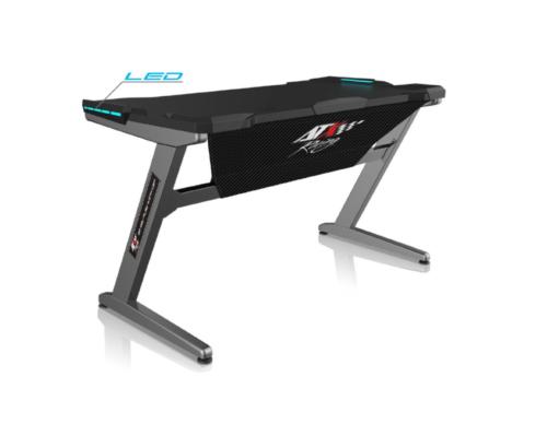 La mesa gaming Z1 de Costaazul, es un accesorio que todos debemos tener en casa. Puede hacer la función de una mesa para estudiar o trabajar desde casa, ademas de estar llena de detalles que la hacen destacar de las demás mesasde escritorio en esta categoría.